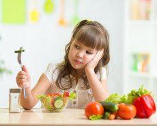 Tình trạng bé biếng ăn kéo dài và cách khắc phục